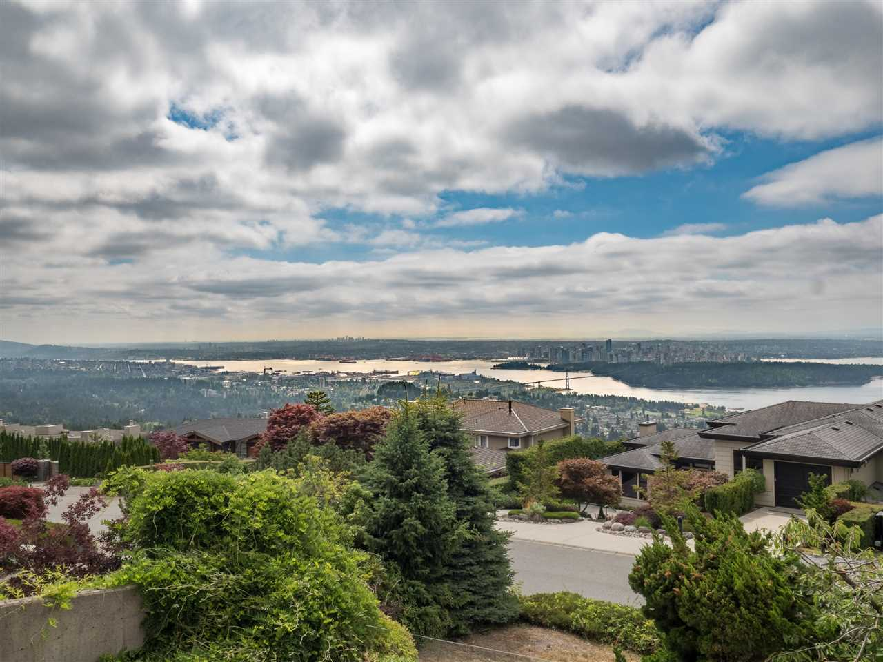 Detached at 1455 BRAMWELL ROAD, West Vancouver, British Columbia. Image 15