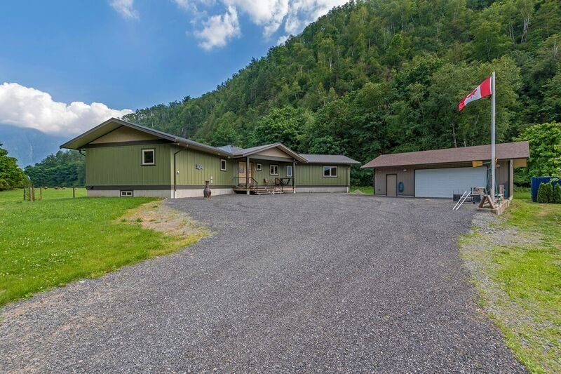 Detached at 6230 MOUNTAIN VIEW ROAD, Agassiz, British Columbia. Image 1