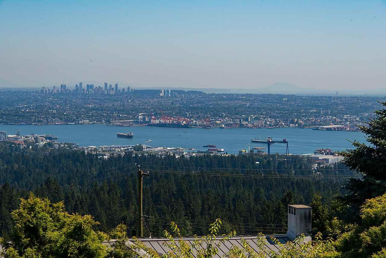 Detached at 1021 CRESTLINE ROAD, West Vancouver, British Columbia. Image 15