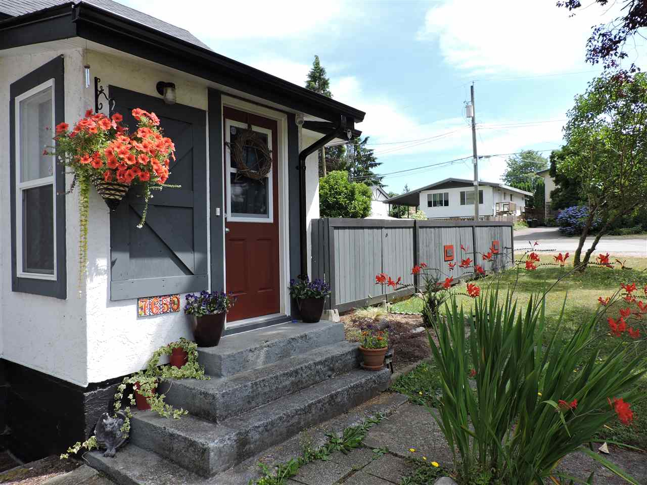 Detached at 7650 TAULBUT STREET, Mission, British Columbia. Image 3