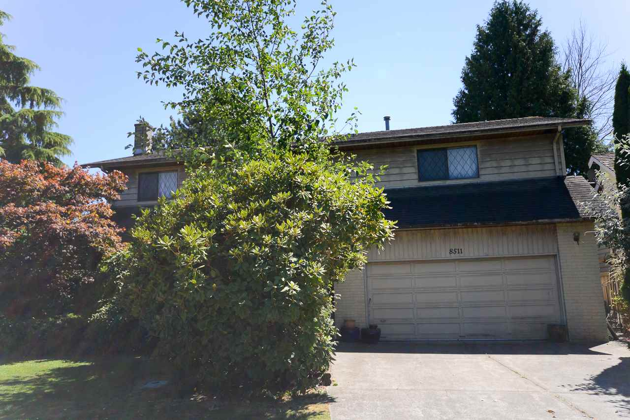 Detached at 8511 CULLEN CRESCENT, Richmond, British Columbia. Image 2