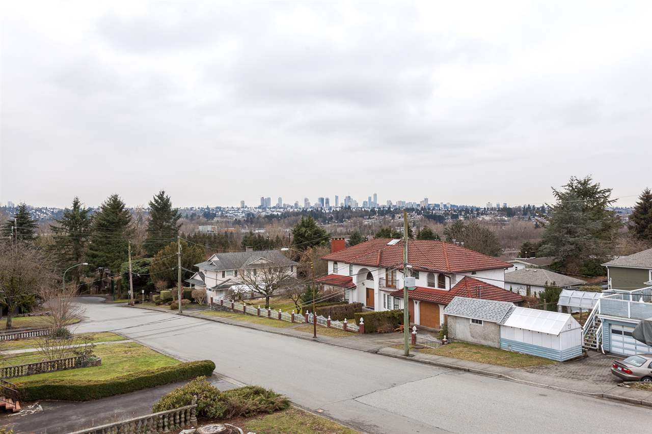 Detached at 6912 BROADWAY STREET, Burnaby North, British Columbia. Image 15