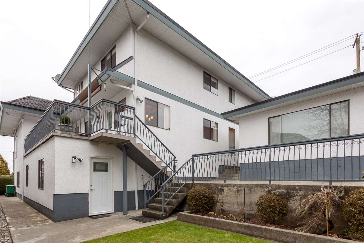 Detached at 6912 BROADWAY STREET, Burnaby North, British Columbia. Image 16