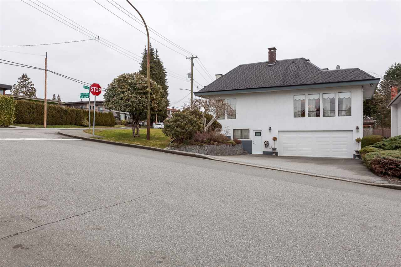 Detached at 6912 BROADWAY STREET, Burnaby North, British Columbia. Image 17