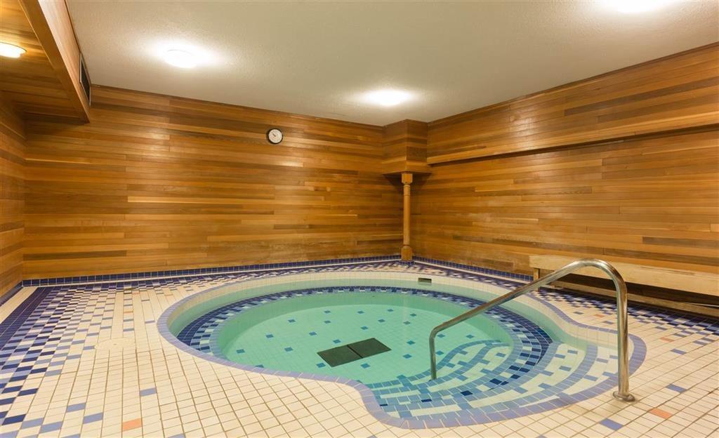 Condo Apartment at 204 6611 MINORU BOULEVARD, Unit 204, Richmond, British Columbia. Image 13