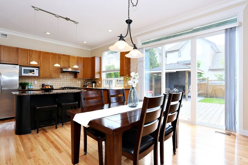 Detached at 15318 36A AVENUE, South Surrey White Rock, British Columbia. Image 3