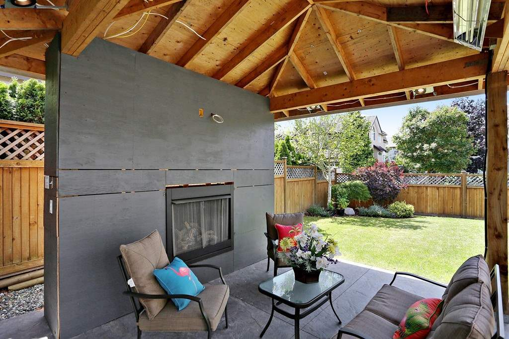 Detached at 15318 36A AVENUE, South Surrey White Rock, British Columbia. Image 9
