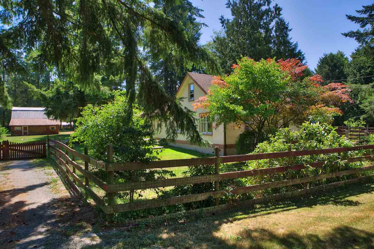 Detached at 24608 54 AVENUE, Langley, British Columbia. Image 3