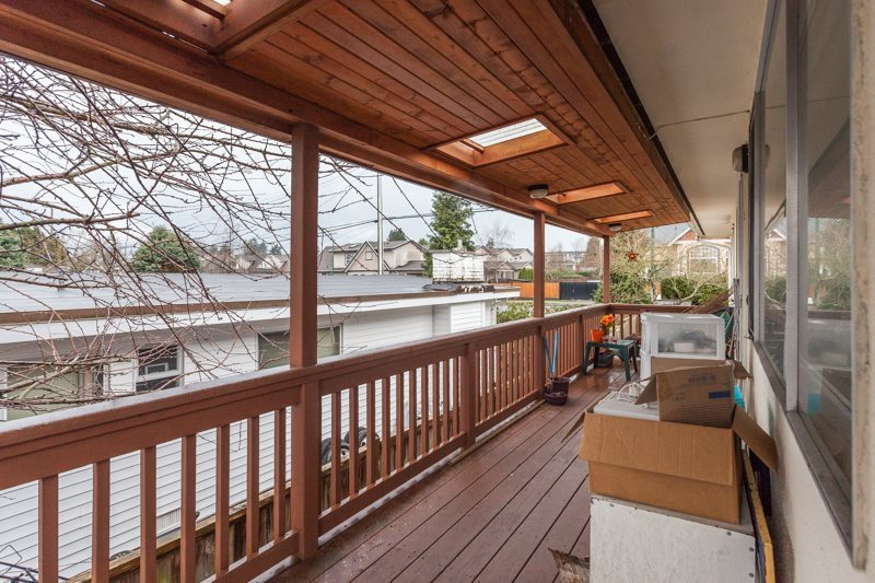 Detached at 15610 RUSSELL AVENUE, South Surrey White Rock, British Columbia. Image 9