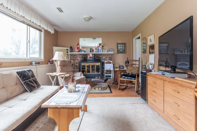 Detached at 15610 RUSSELL AVENUE, South Surrey White Rock, British Columbia. Image 15