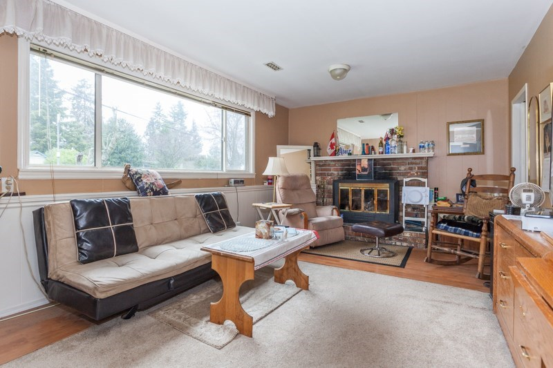 Detached at 15610 RUSSELL AVENUE, South Surrey White Rock, British Columbia. Image 16