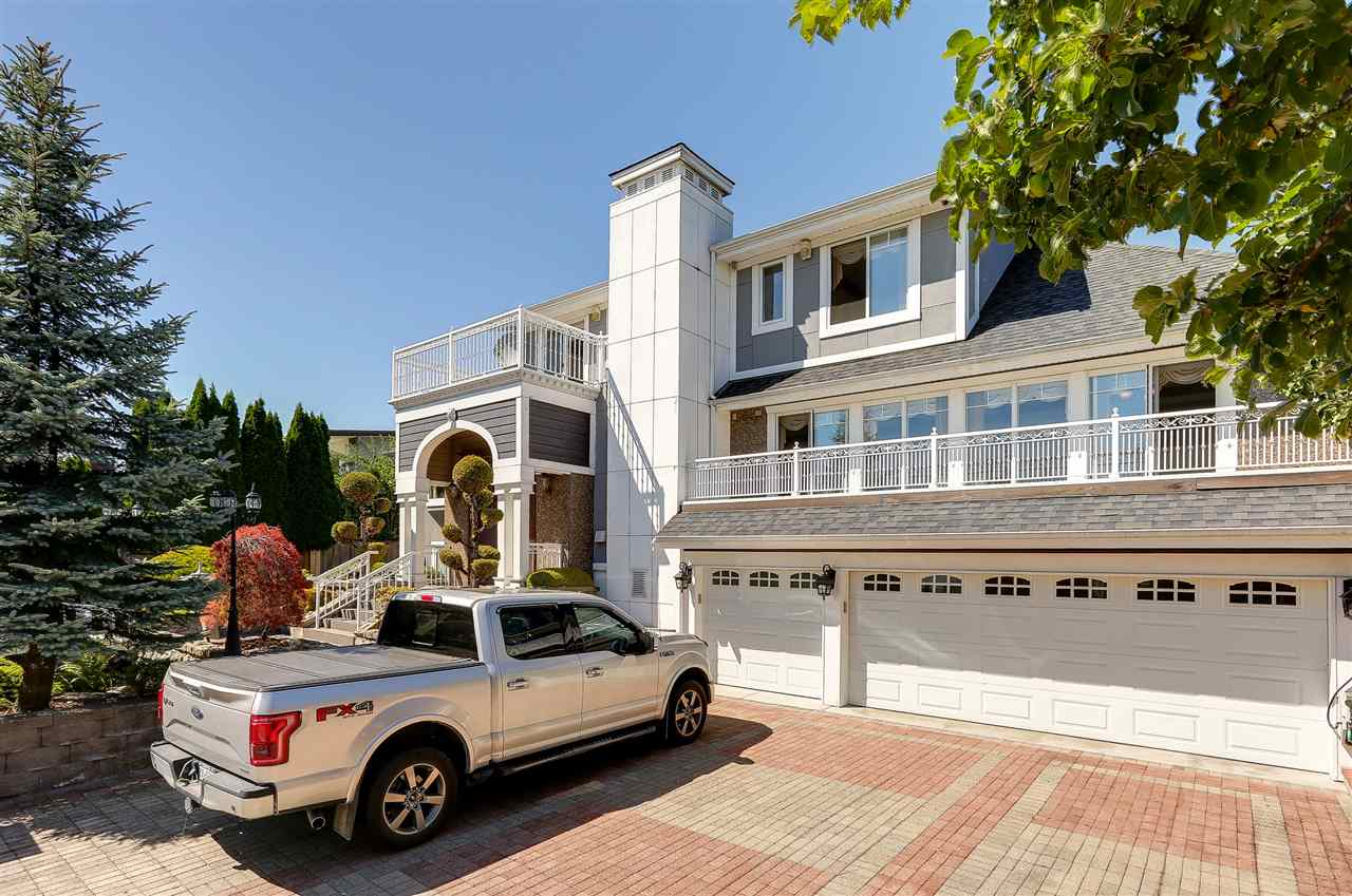 Detached at 4375 WINNIFRED STREET, Burnaby South, British Columbia. Image 2