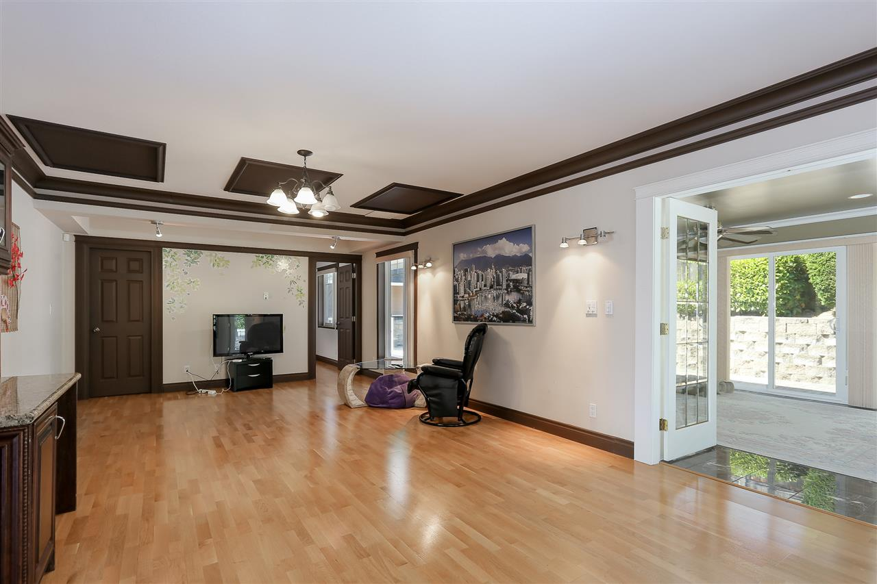 Detached at 4375 WINNIFRED STREET, Burnaby South, British Columbia. Image 10