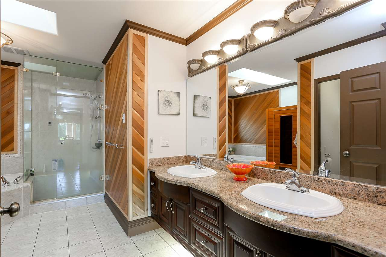 Detached at 4375 WINNIFRED STREET, Burnaby South, British Columbia. Image 12