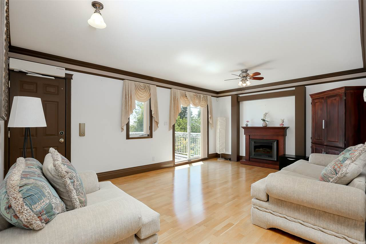 Detached at 4375 WINNIFRED STREET, Burnaby South, British Columbia. Image 13