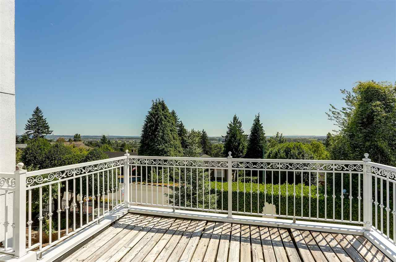 Detached at 4375 WINNIFRED STREET, Burnaby South, British Columbia. Image 14