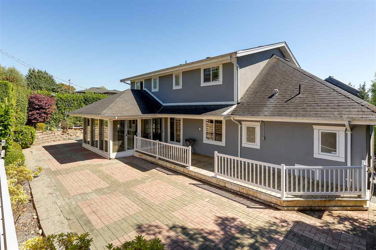 Detached at 4375 WINNIFRED STREET, Burnaby South, British Columbia. Image 18