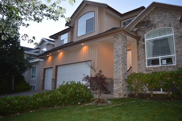 Detached at 220 PARKSIDE DRIVE, Port Moody, British Columbia. Image 1
