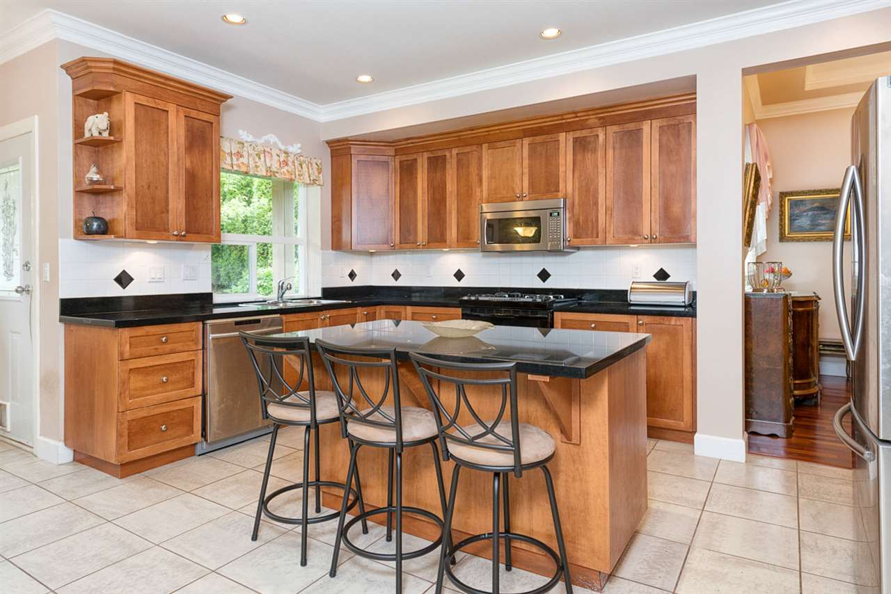 Detached at 220 PARKSIDE DRIVE, Port Moody, British Columbia. Image 4