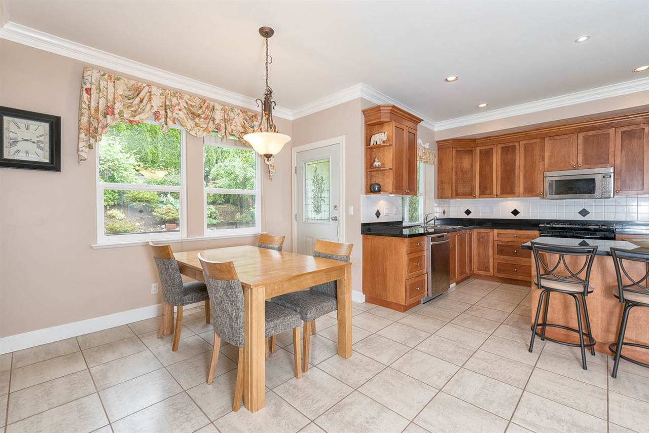 Detached at 220 PARKSIDE DRIVE, Port Moody, British Columbia. Image 5