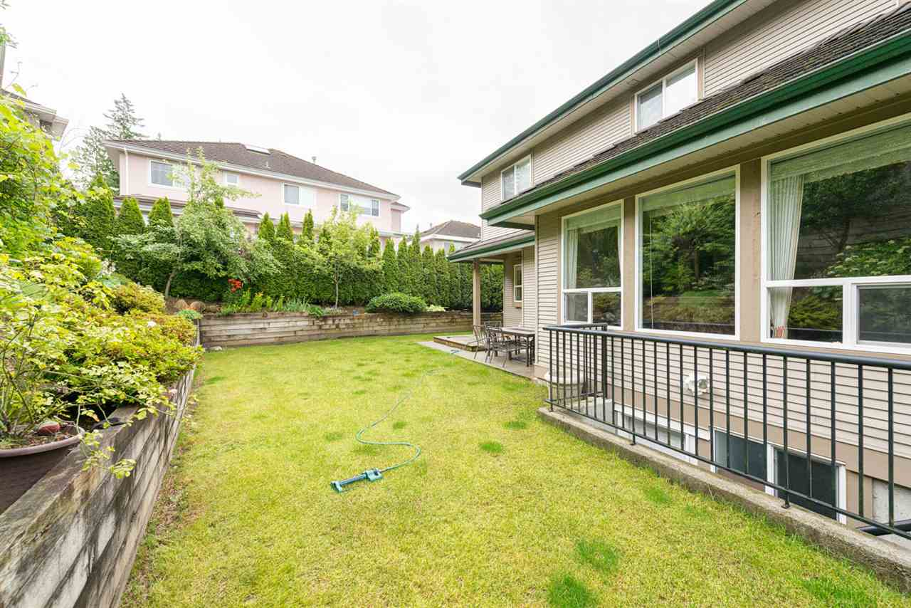 Detached at 220 PARKSIDE DRIVE, Port Moody, British Columbia. Image 14