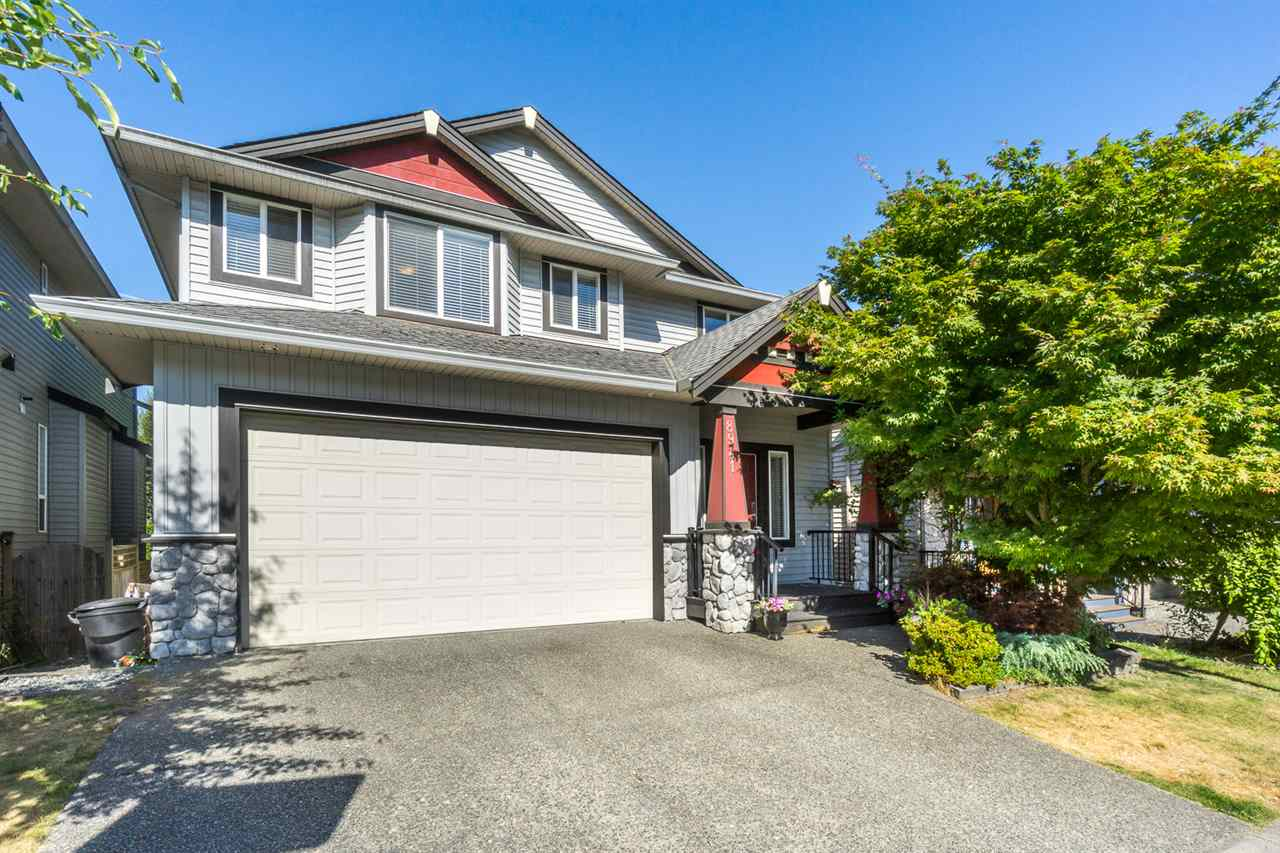 Detached at 8941 216A STREET, Langley, British Columbia. Image 2