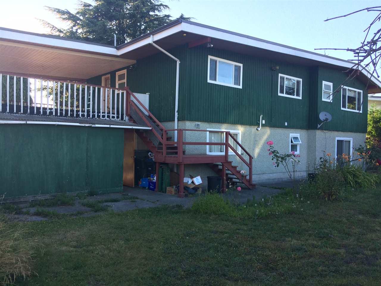 Detached at 1910 YEOVIL AVENUE, Burnaby North, British Columbia. Image 2