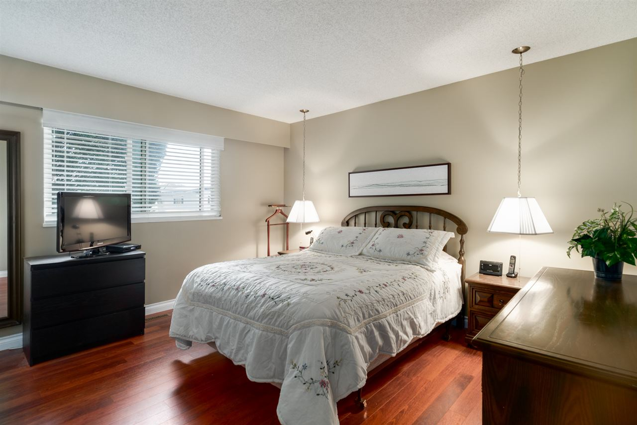 Detached at 8760 DEMOREST DRIVE, Richmond, British Columbia. Image 12