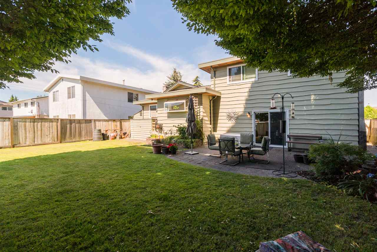 Detached at 8760 DEMOREST DRIVE, Richmond, British Columbia. Image 19