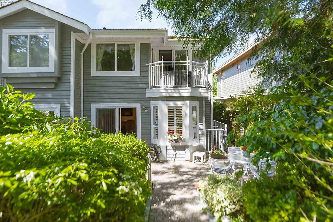 Half-duplex at 6360 DOUGLAS STREET, West Vancouver, British Columbia. Image 2