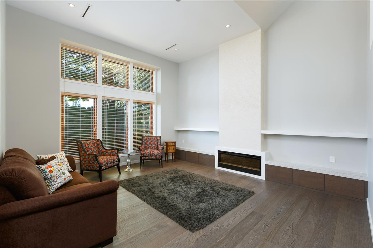 Detached at 5662 MAPLE STREET, Vancouver West, British Columbia. Image 2