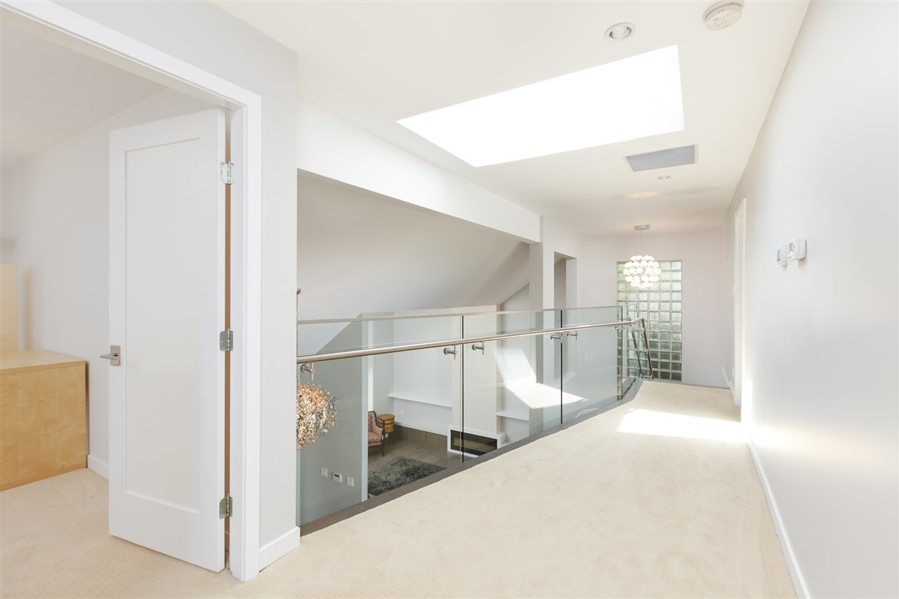 Detached at 5662 MAPLE STREET, Vancouver West, British Columbia. Image 12