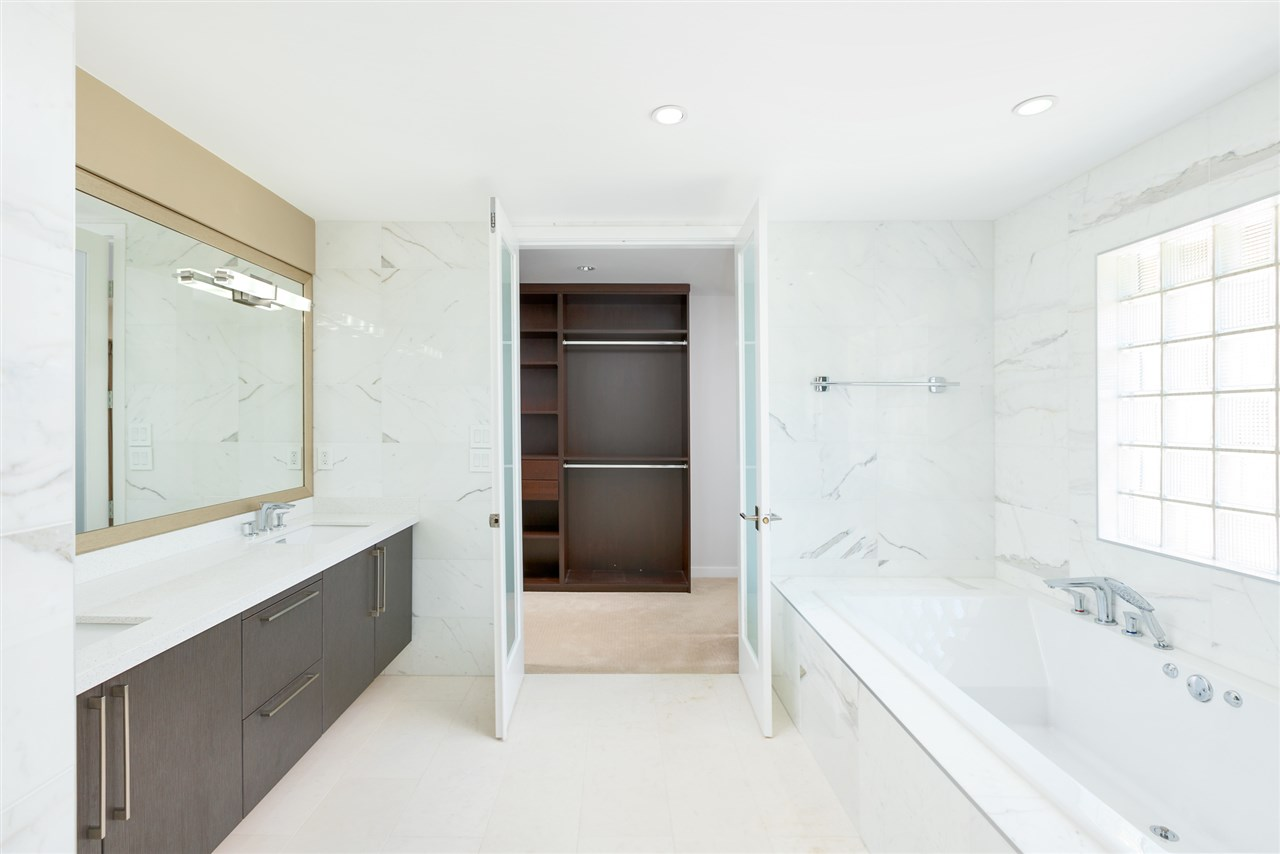 Detached at 5662 MAPLE STREET, Vancouver West, British Columbia. Image 15