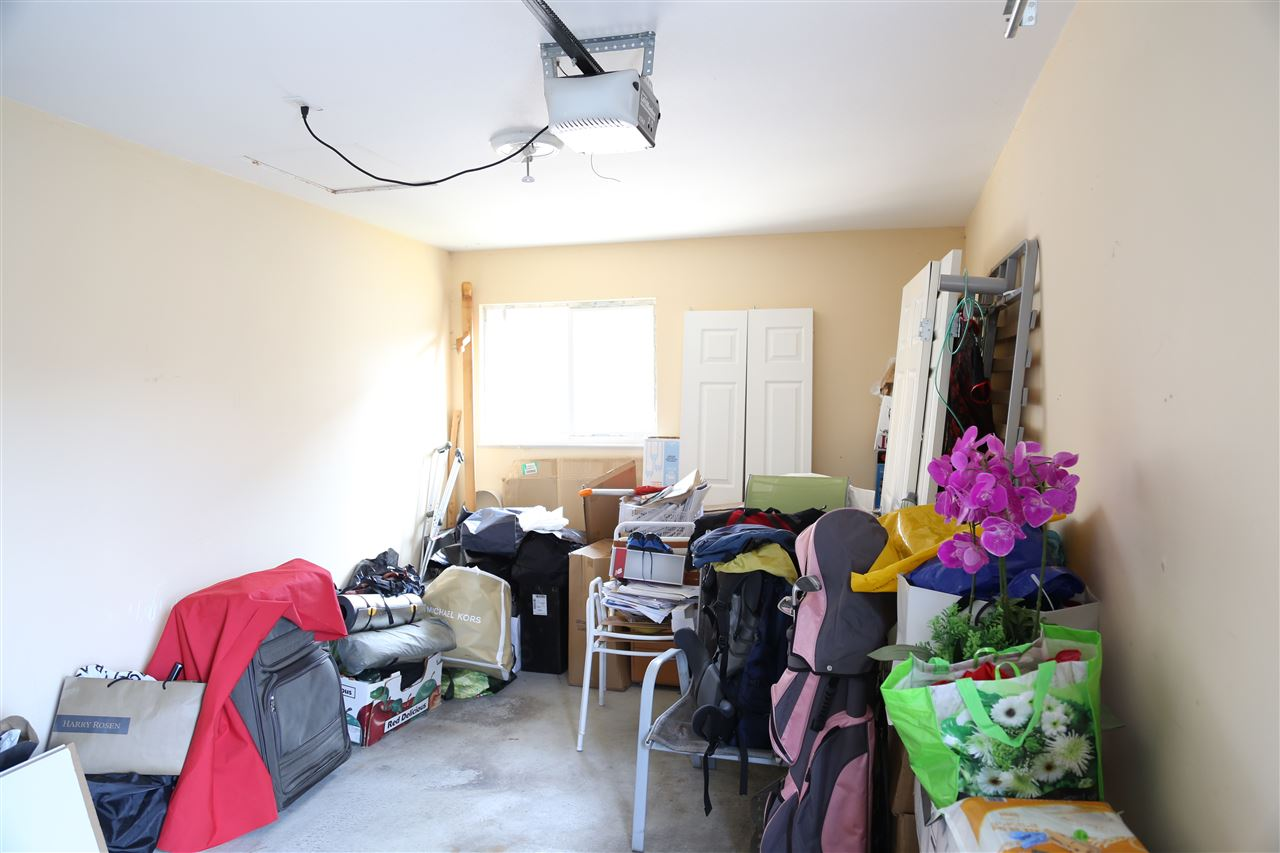 Half-duplex at 6591 WINCH STREET, Burnaby North, British Columbia. Image 16