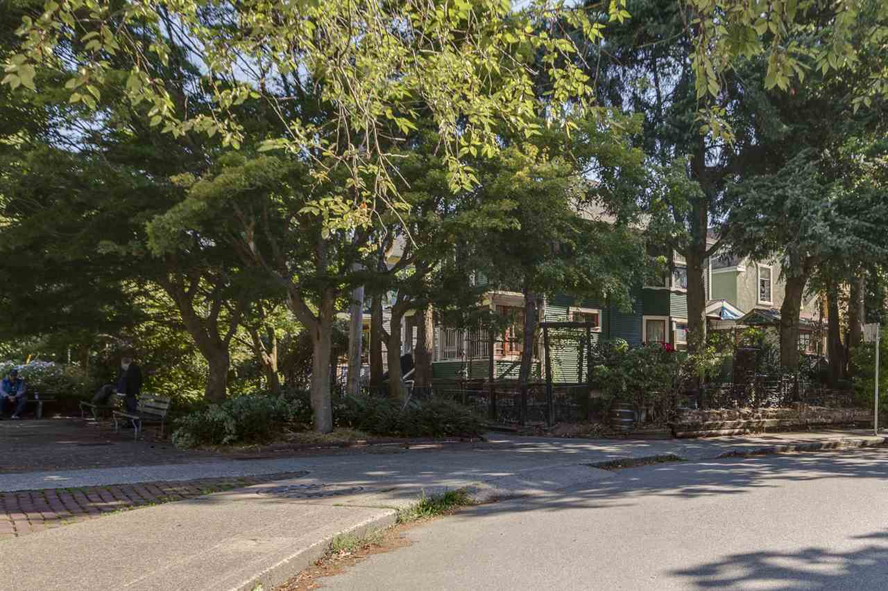 Detached at 644 HAWKS AVENUE, Vancouver East, British Columbia. Image 2