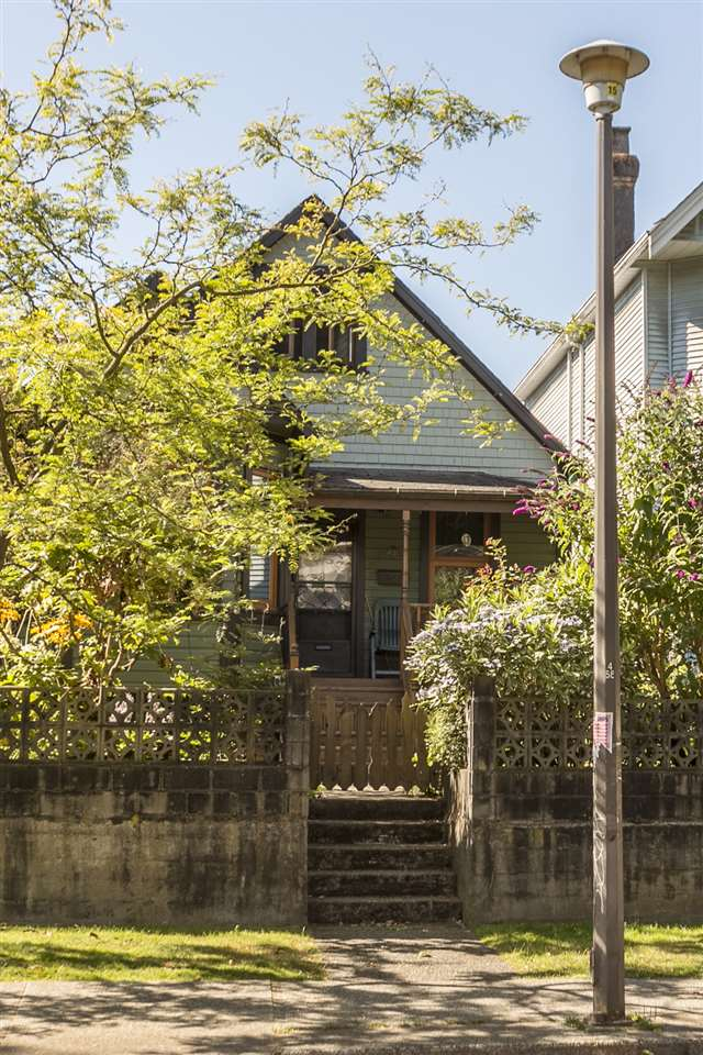 Detached at 644 HAWKS AVENUE, Vancouver East, British Columbia. Image 16