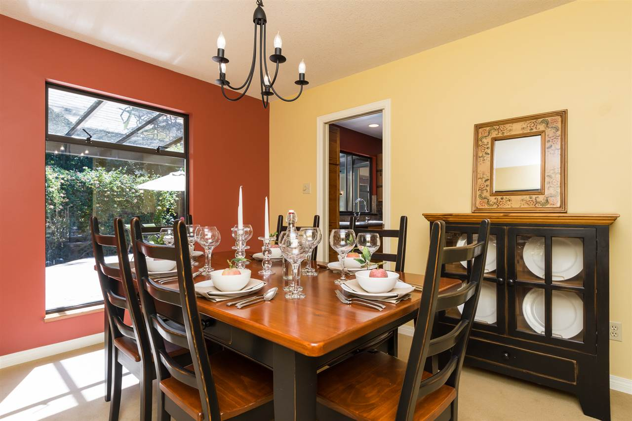 Detached at 13278 19A AVENUE, South Surrey White Rock, British Columbia. Image 4