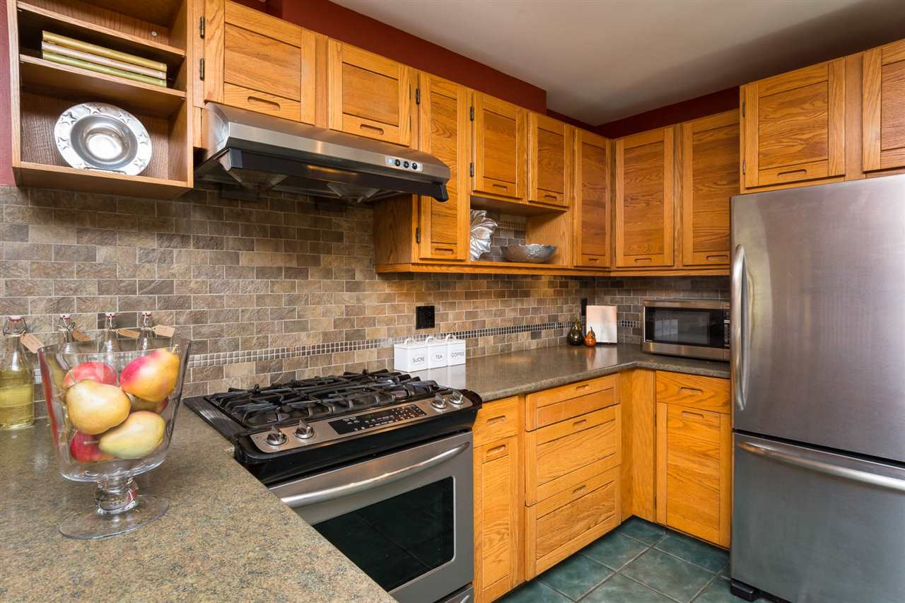 Detached at 13278 19A AVENUE, South Surrey White Rock, British Columbia. Image 7