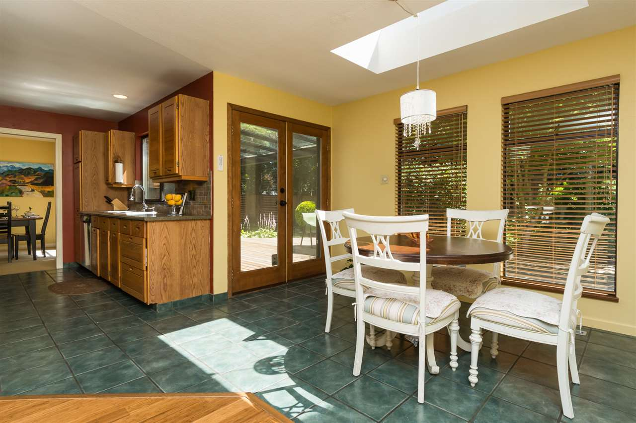 Detached at 13278 19A AVENUE, South Surrey White Rock, British Columbia. Image 8