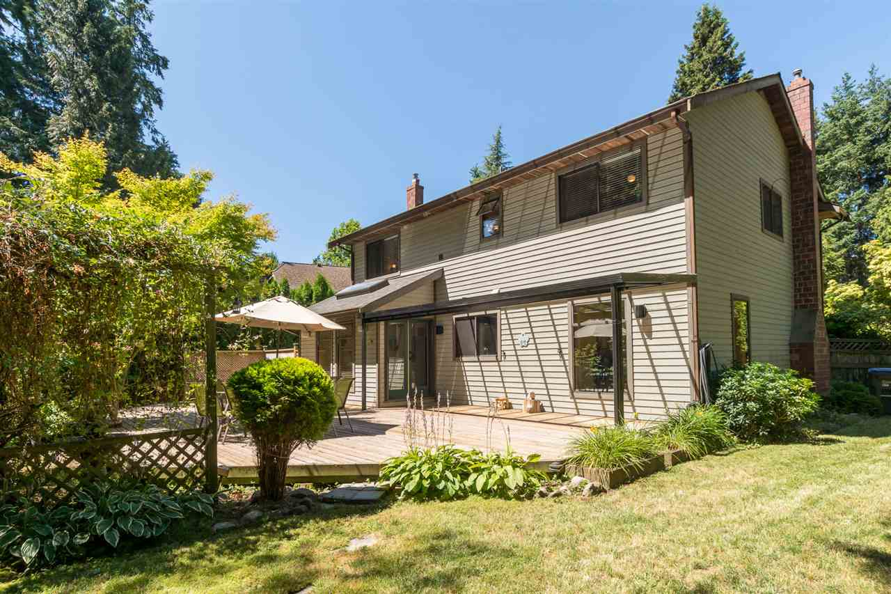 Detached at 13278 19A AVENUE, South Surrey White Rock, British Columbia. Image 19