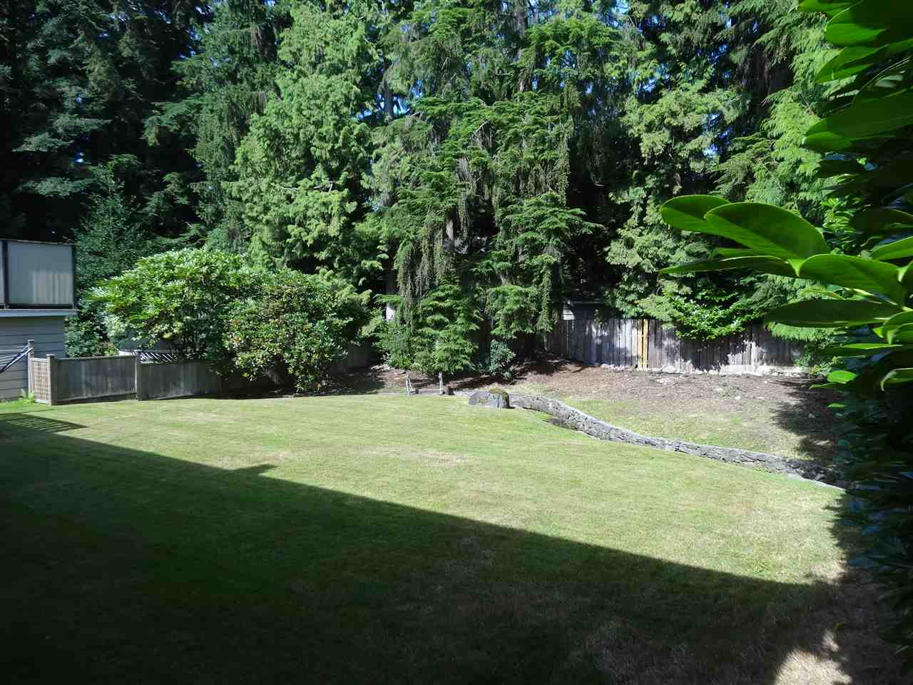 Detached at 3817 SUNSET BOULEVARD, North Vancouver, British Columbia. Image 3