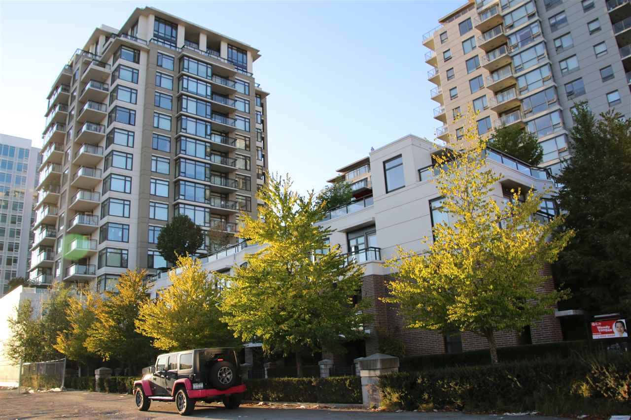 Condo Apartment at 1502 6351 BUSWELL STREET, Unit 1502, Richmond, British Columbia. Image 9