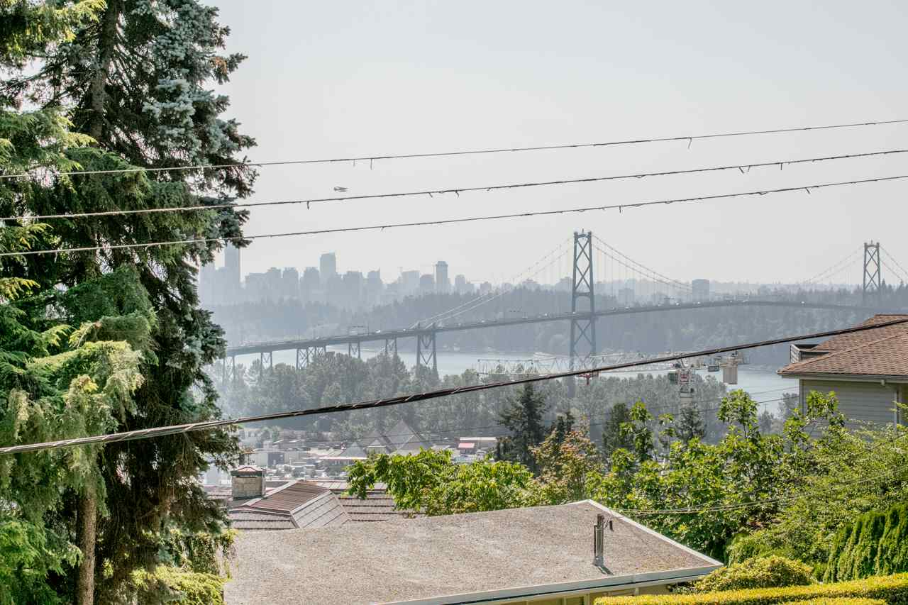 Detached at 855 8TH STREET, West Vancouver, British Columbia. Image 2