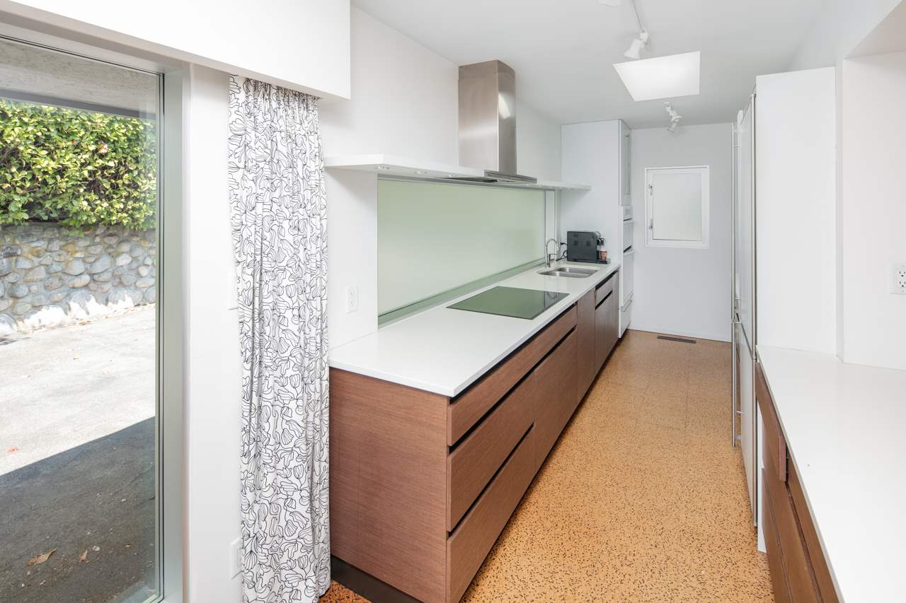 Detached at 855 8TH STREET, West Vancouver, British Columbia. Image 6