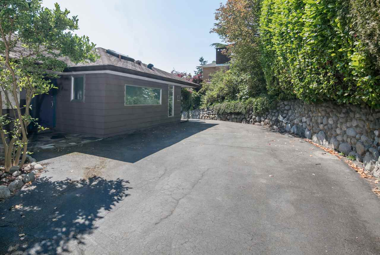 Detached at 855 8TH STREET, West Vancouver, British Columbia. Image 8