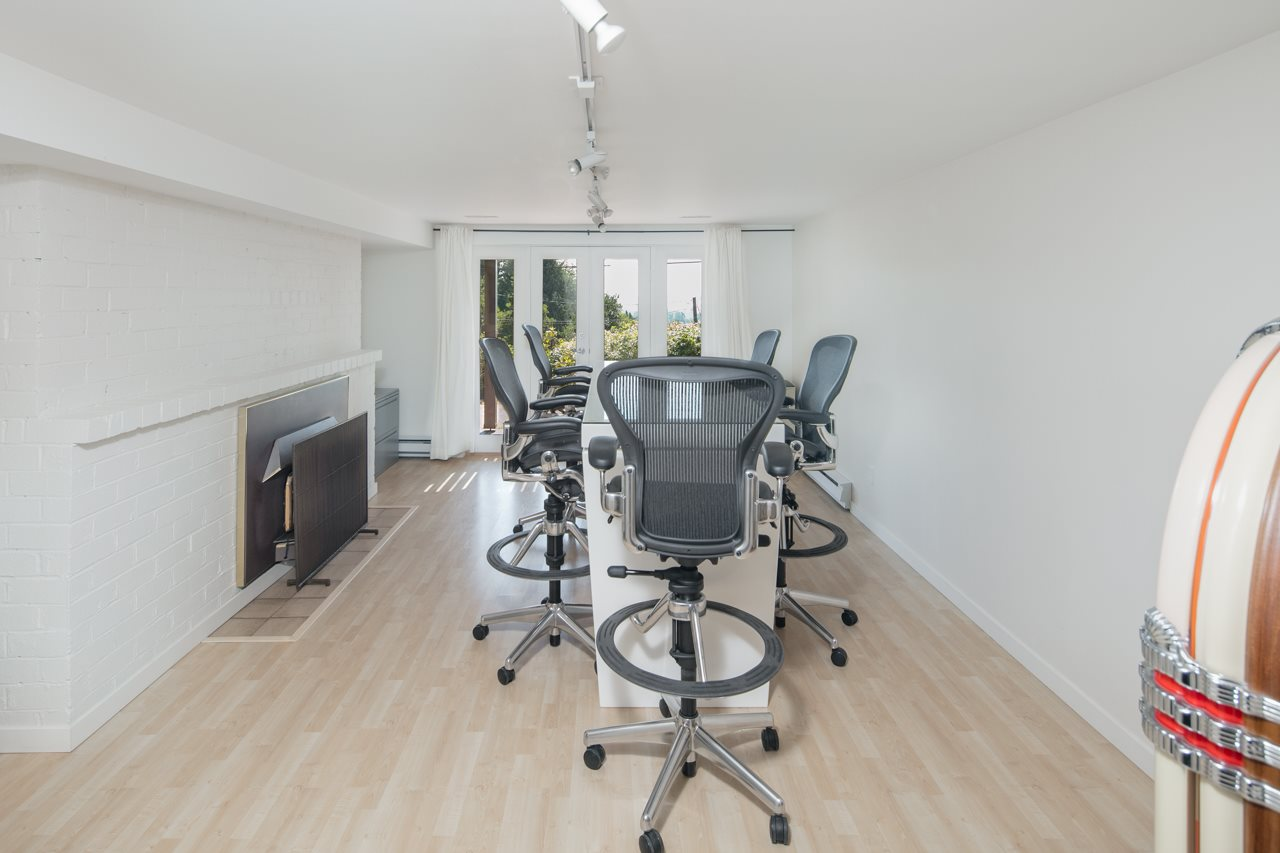Detached at 855 8TH STREET, West Vancouver, British Columbia. Image 12