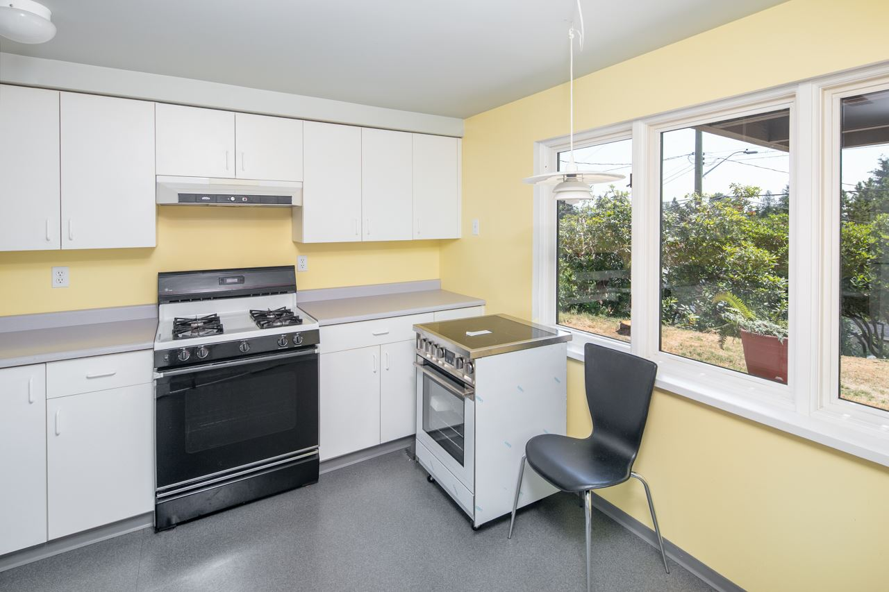 Detached at 855 8TH STREET, West Vancouver, British Columbia. Image 15