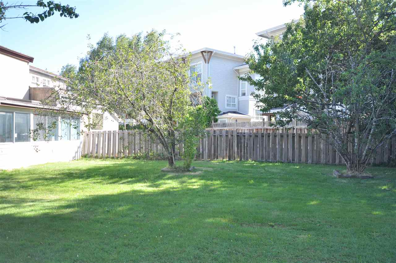 Detached at 7060 LINDSAY ROAD, Richmond, British Columbia. Image 5