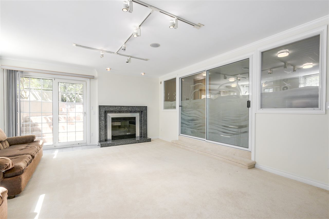 Detached at 1809 SW MARINE DRIVE, Vancouver West, British Columbia. Image 19
