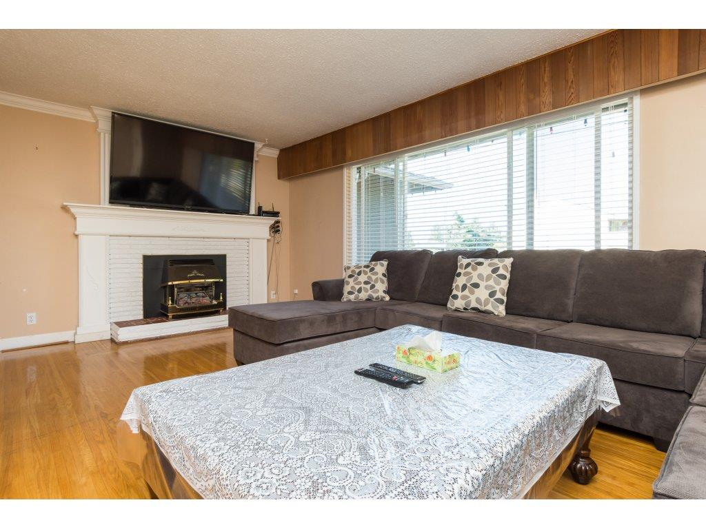 Detached at 9534 114 STREET, N. Delta, British Columbia. Image 3
